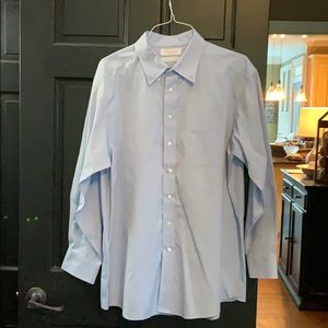 Roundtree & York's blue dress shirt 17 1/2 - 34